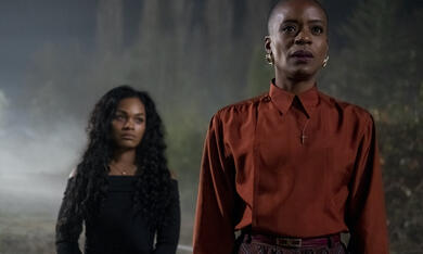 Spuk in Bly Manor, Spuk in Bly Manor - Staffel 1 mit Tahirah Sharif und T'Nia Miller - Bild 4