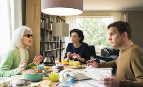 Einmal Sohn, immer Sohn mit Sebastian Bezzel, Christiane Hörbiger und Julia Brendler - Bild 49