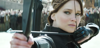 Krampus im Blick? Jennifer Lawrence in Mockingjay 2