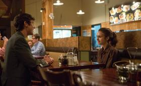 To the Bone mit Lily Collins - Bild 75