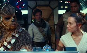 Star Wars 9: Der Aufstieg Skywalkers mit Oscar Isaac, Daisy Ridley, John Boyega und Joonas Suotamo - Bild 5