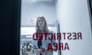 The Mist, The Mist Staffel 1 mit Alyssa Sutherland - Bild 8