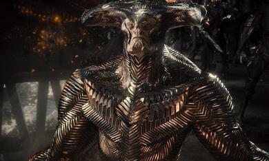 Zack Snyder's Justice League mit Ciarán Hinds - Bild 9