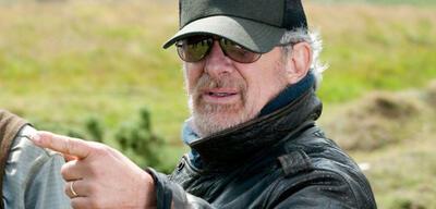 Steven Spielberg am Set von Gefährten