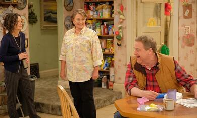 Roseanne Revival, Roseanne Revival - Staffel 1 mit John Goodman, Sara Gilbert und Roseanne Barr - Bild 2