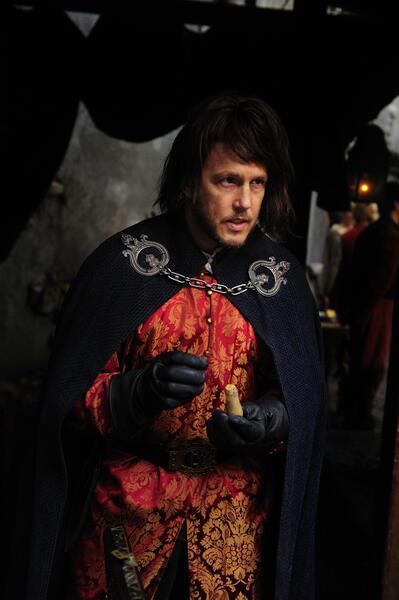 Schwerter des Königs - Zwei Welten mit Lochlyn Munro