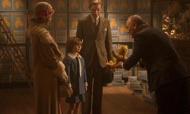 Goodbye Christopher Robin mit Margot Robbie, Domhnall Gleeson und Will Tilston - Bild 11