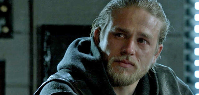 Weicher Sm Fan Charlie Hunnam Weinte Um Fifty Shades Of Grey Rolle
