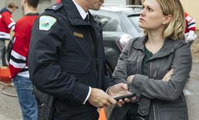 Bellevue, Bellevue - Staffel 1 mit Anna Paquin und Shawn Doyle - Bild 32