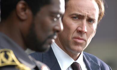 Lord of War - Händler des Todes mit Nicolas Cage und Eamonn Walker - Bild 5