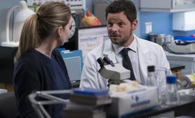Grey's Anatomy - Staffel 15, Grey's Anatomy - Staffel 15 Episode 16 mit Ellen Pompeo und Justin Chambers - Bild 15