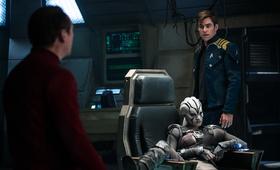Star Trek Beyond mit Chris Pine und Sofia Boutella - Bild 20