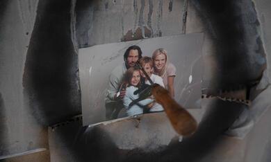 Knock Knock - Bild 10