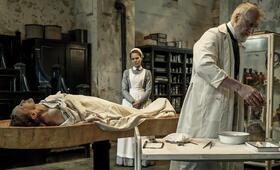 Charité, Charité Staffel 1 mit Justus von Dohnányi und Alicia von Rittberg - Bild 60