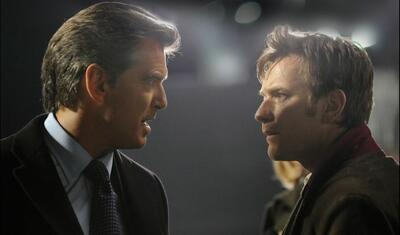 Pierce Brosnan und Ewan McGregor in Ghostwriter.