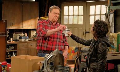 Roseanne Revival, Roseanne Revival - Staffel 1 mit John Goodman und Sara Gilbert - Bild 8