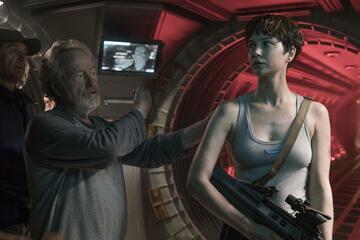 Ridley Scott und Katherine Waterston am Set von Alien: Covenant