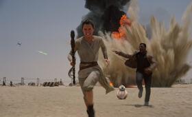 Star Wars: Episode VII - Das Erwachen der Macht mit Daisy Ridley und John Boyega - Bild 23