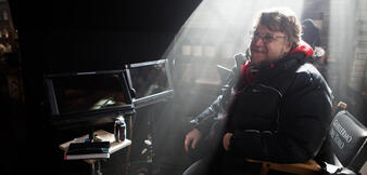 Guillermo del Toro am Set von Crimson Peak