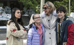 Bad Moms 2 mit Mila Kunis, Christine Baranski und Oona Laurence - Bild 16