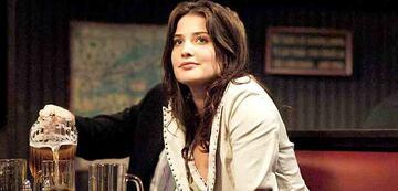 Cobie Smulders als Robin in der 1. Staffel HIMYM