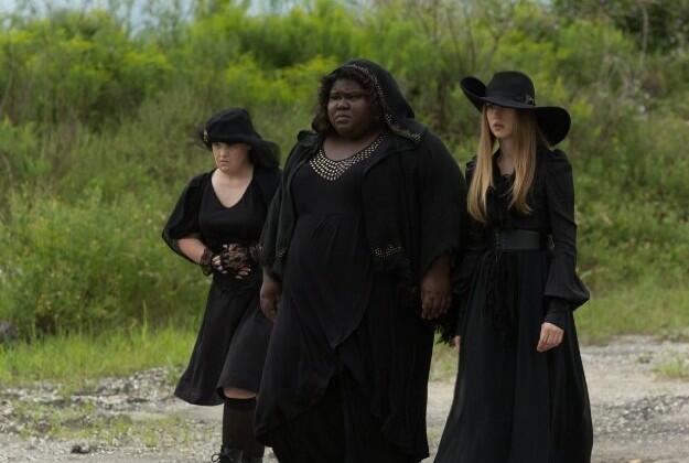 American Horror Story Staffel 3 mit Taissa Farmiga, Gabourey Sidibe und Jamie Brewer