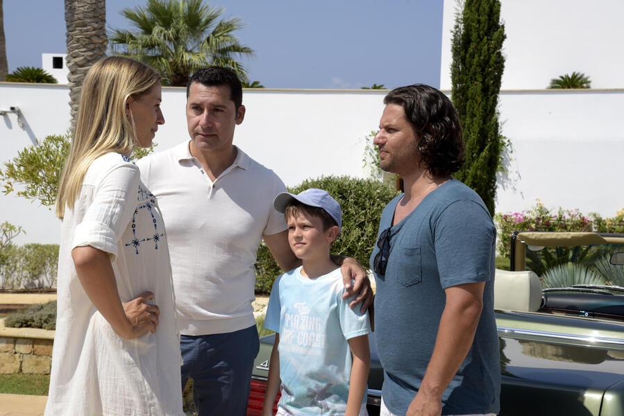 Ein Sommer auf Zypern mit Adam Bousdoukos, Orhan Kilic und Annika Blendl