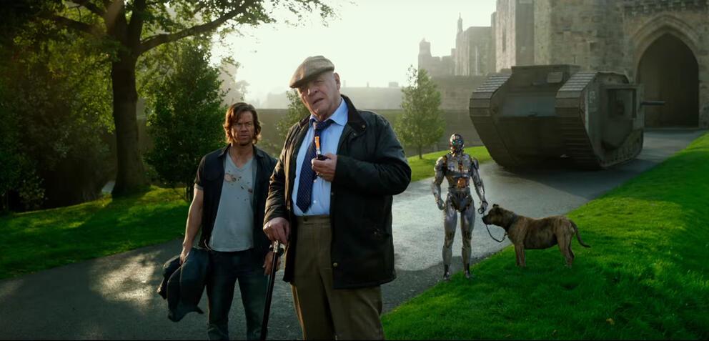 Michael Bay bei der Arbeit an Transformers 5