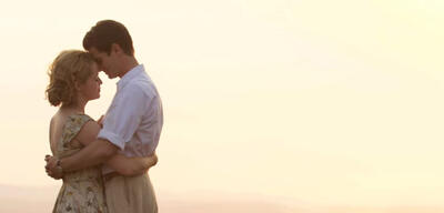 Claire Foy und Andrew Garfield in Breathe