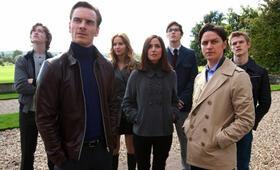 X-Men: Erste Entscheidung mit Jennifer Lawrence, Michael Fassbender, James McAvoy, Nicholas Hoult, Rose Byrne, Caleb Landry Jones und Lucas Till - Bild 51