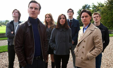 X-Men: Erste Entscheidung mit Jennifer Lawrence, Michael Fassbender, James McAvoy, Nicholas Hoult, Rose Byrne, Caleb Landry Jones und Lucas Till - Bild 1