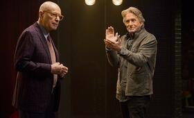The Kominsky Method, The Kominsky Method - Staffel 1 mit Michael Douglas und Alan Arkin - Bild 6