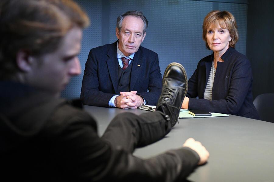 Kommissarin Lucas: Familiengeheimnis mit Merlin Rose und Ulrike Kriener