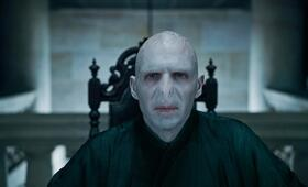 Harry Potter und die Heiligtümer des Todes 1 mit Ralph Fiennes - Bild 9