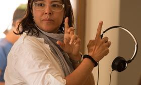 Patricia Riggen beim Dreh zu 69 Tage Hoffnung - Bild 2
