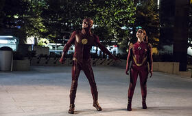 The Flash Staffel 3 mit Grant Gustin - Bild 24